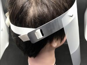 ゴムバンドの長さは自由に調整でき頭部へしかっり固定できます。